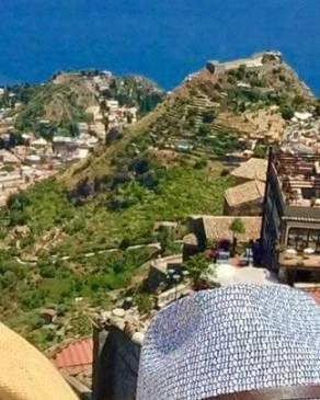 Најстилскиот македонски пар ужива на рајска дестинација  Фотките како од магазин
