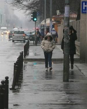 Магливо утро и облачен ден