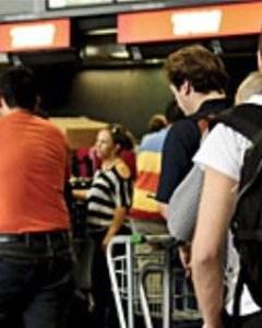 Македонка со писмо иселениците од Македонија  Престанете да љубоморите  мојата плата е