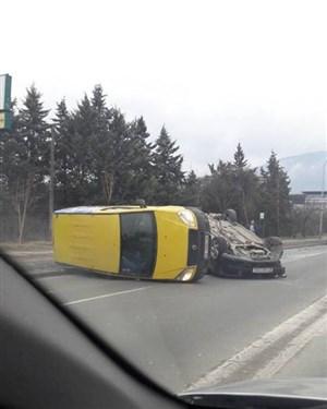 Тешка сообраќајна несреќа на булеварот 8 септември покрај хотелот Александар Палас
