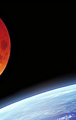 blood-moon-over-earth-600