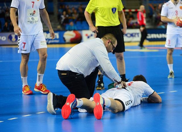 Одлични вести  Повредата на Миркуловски не е сериозна  но